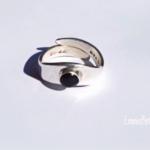 Vintage Taxco Sterling Silver & Black Onyx Ring